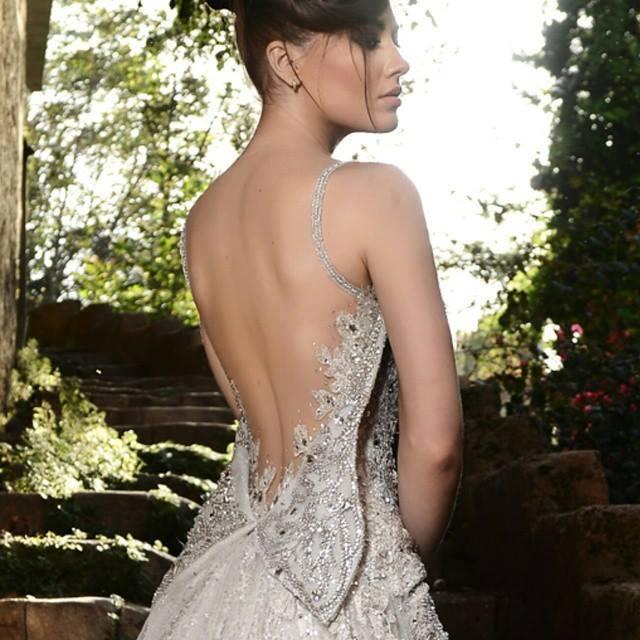Бляскава сватбена рокля сватбена агенция Инанна