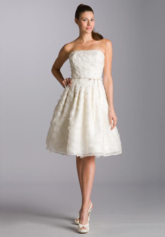 Къса сватбена рокля сватбена агенция Инанна